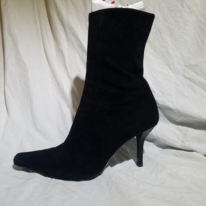 d774b3bc3cb GUCCI Black Suede Mid-Calf Heeled Boot